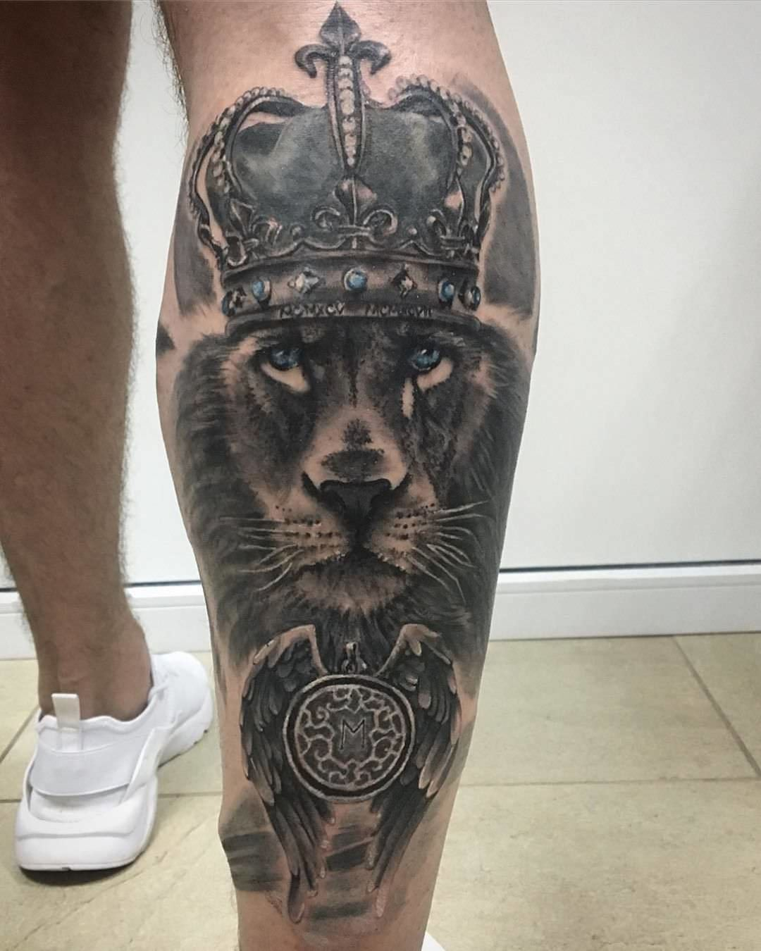 4f2762a4b It becoms a strong comment on what the spirit animal of the inked person  actually looks like. A crown does look good on a lion than any other animal.