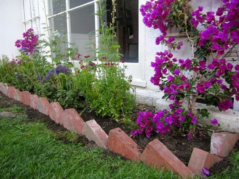 155 Flower Bed Ideas That Are Supremely Stunning For Your Yard